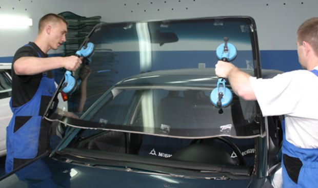 Замена стекол автомобиля – подробная инструкция
