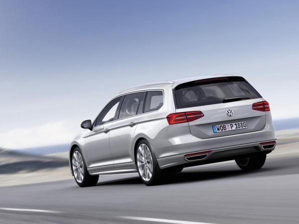 Фото универсала Volkswagen Passat