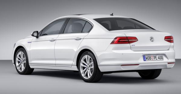 Volkswagen-Passat-GTE-5