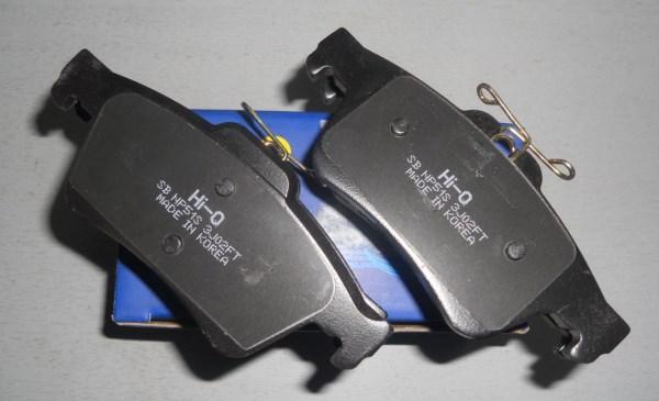 Процедура замены передних и задних тормозных колодок Форд Фокус 2